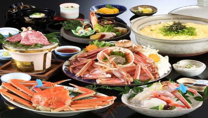 城崎温泉で津居山ガニを食べるなら三木屋がおすすめです。