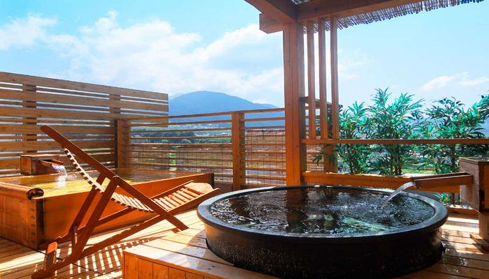 長野で絶景の露天風呂が自慢の宿といえば湯田中温泉のこの湯宿
