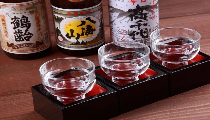 南魚沼の地酒(淡麗辛口)を利き酒できる新潟・六日町温泉の宿