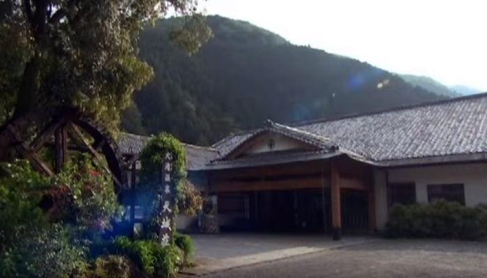 河津大滝を臨む絶景露天風呂が自慢の伊豆・大滝温泉の宿