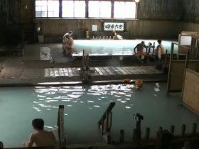 酸ケ湯温泉のヒバ千人風呂