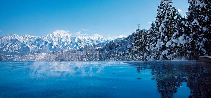 里山十帖の雪見露天風呂